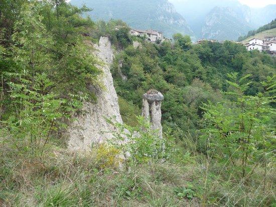 Zone, Italia: piramidi 1
