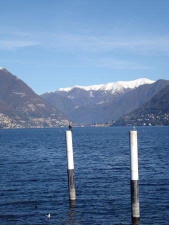 Lombardy, Italia: озеро