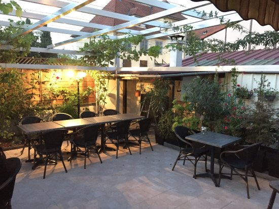 Des Plats Faits Maisons De A A Z Une Terrasse D Ete Magnifique