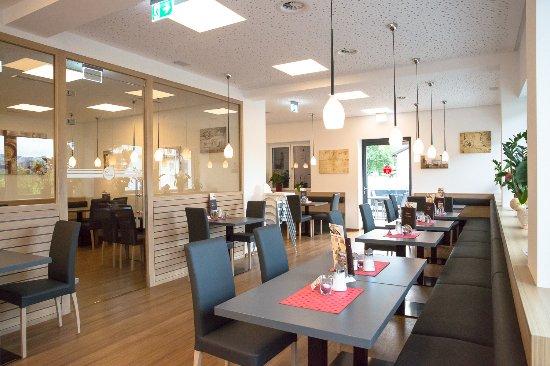 Ebbs, النمسا: Cafe Da Vinci in Ebbs, gemütliches Café mit getrennten Raucher- und Nichtraucherabteilung.