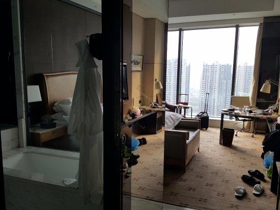 Zhuzhou, China: 24th floor, bright and spacious