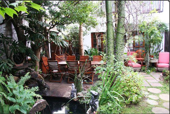 Jambo Guest House: Seating Area