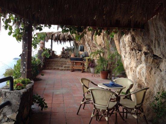 La Grotta dei Fichi: Bar Area - One of my favorite spots!