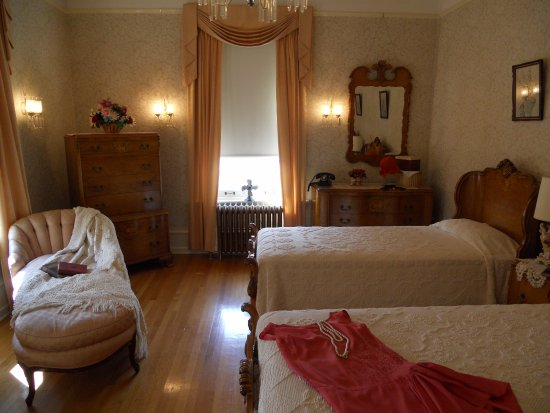 Master bedroom - Picture of Historic Governors\' Mansion ...