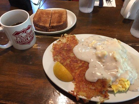 Welches, Oregón: A yummy, gravy-laden breakfast