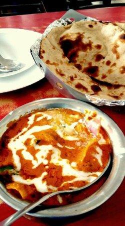 Malhotra Restaurant : パニールハンディ 165ルピー チャパテイ1枚12ルピー