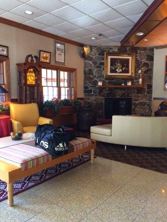 Brattleboro, VT: Motel Lobby