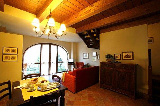 soggiorno - Foto di Castello di Razzano, Alfiano Natta - TripAdvisor