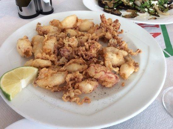 Tsakas: Жаренные кальмары, очень вкусные и нежные