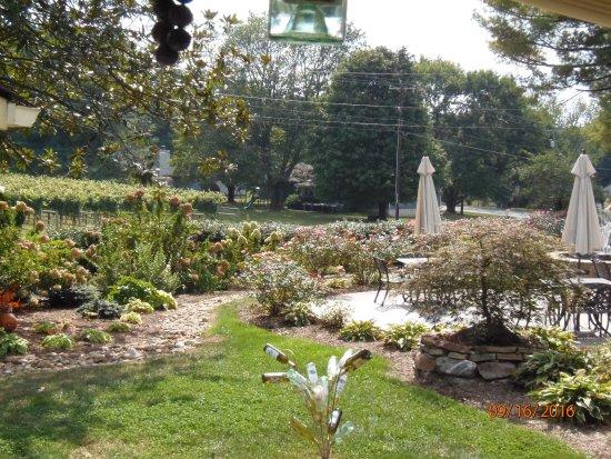 Hendersonville, Carolina del Norte: Georgious grounds