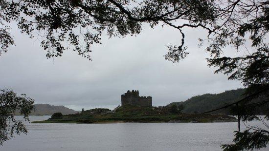 Lochaber, UK : The castle's stunning setting.