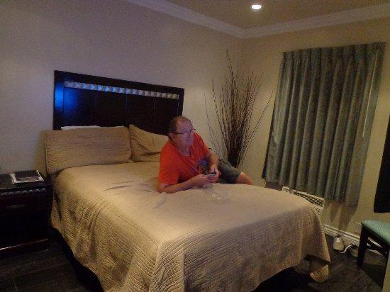 Trylon Hotel: CHAMBRE double avecSDB privée