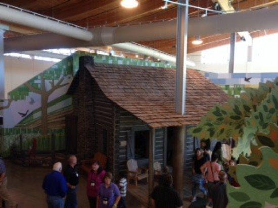 Bentonville, Αρκάνσας: explore a cabin