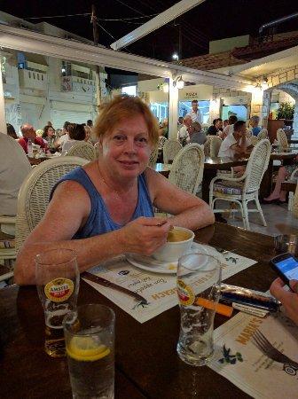 Maria's Golden Beach Tavern Restaurant : IMG_20160920_214048_large.jpg