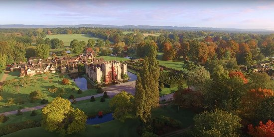 Hever Castle & Gardens: Autumn Colour at Hever Castle