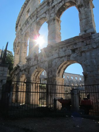 The Arena in Pula: Great condition