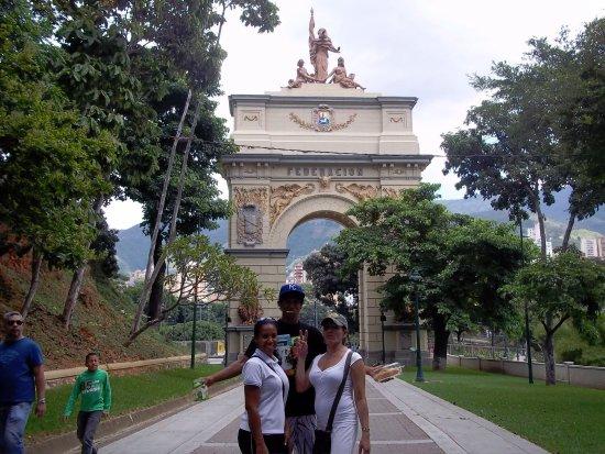 Arco de la Federacion: La pequeña Paris