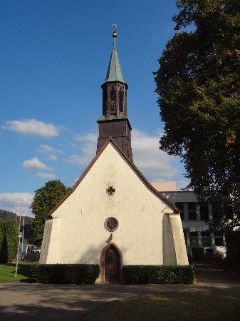 Stegen, ألمانيا: Stegen Kirche Herz-Jesu - Schlosskapelle St.Sebastian