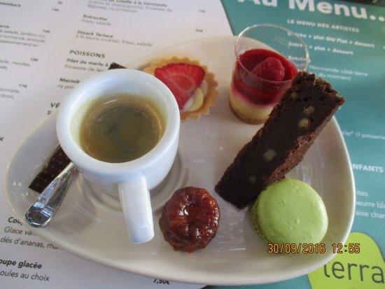 Terra Cafe: Le Café Gourmand, un délice !