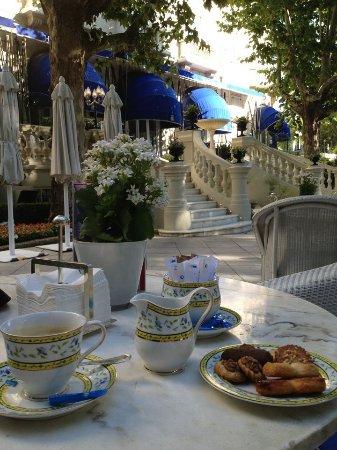 Hotel Ritz, Madrid: tomando un expresso en la terraza