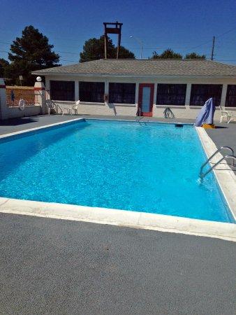 Meridian, MS: Pool