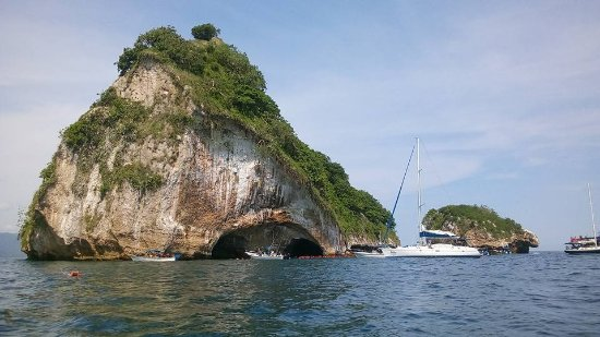 Los Arcos Sailing and Snorkeling