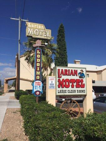Zdjęcie Larian Motel