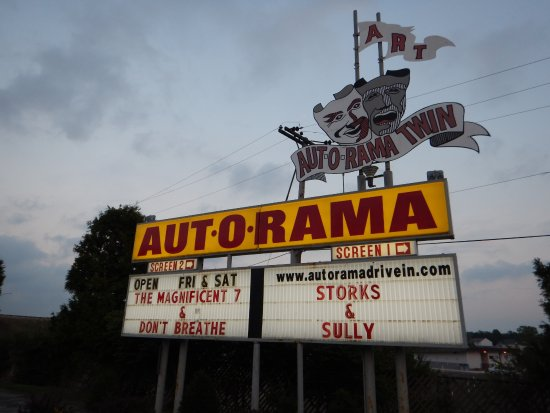 ‪Aut-O-Rama Twin Drive In Theatre‬