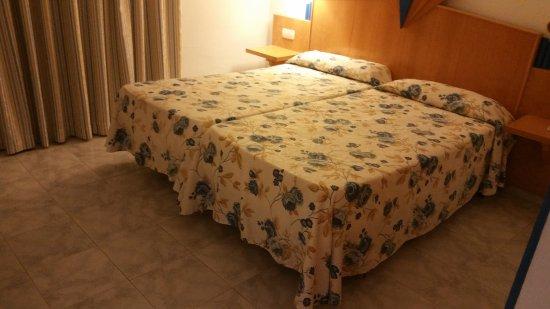 Boix Mar Hotel : Lit de la chambre 1014