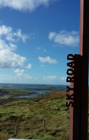 Clifden, Irlanda: Sky Road signpost