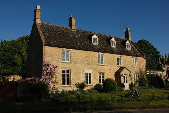 Churchill, UK: Corner House