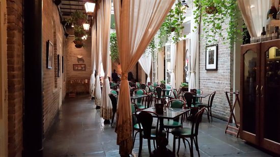 Muriel's Jackson Square: Lovely courtyard like dining for casual dining