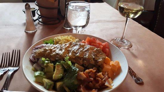 Muriel's Jackson Square: My lunch....Chicken Cobb Salad... YUM!