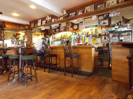 Carna, ไอร์แลนด์: Lovely friendly bar!