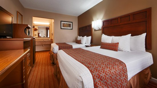 Pool - Picture of SureStay Plus Hotel by Best Western Jackson - Tripadvisor