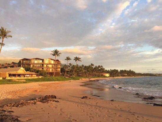 beach picture of days inn maui oceanfront kihei. Black Bedroom Furniture Sets. Home Design Ideas