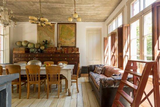 Casa Zinc: Comedor