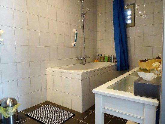 Renovatie Badkamer Muren ~ Haelen, The Netherlands Badkamer behoort bij Comfortabele Kamer