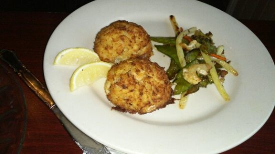 Bowers, PA: crab cakes