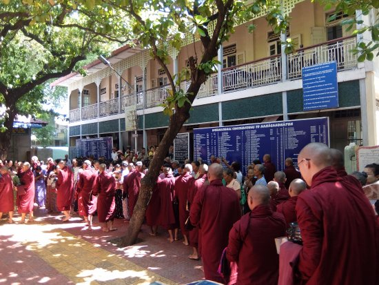 Amarapura, ميانمار: monks