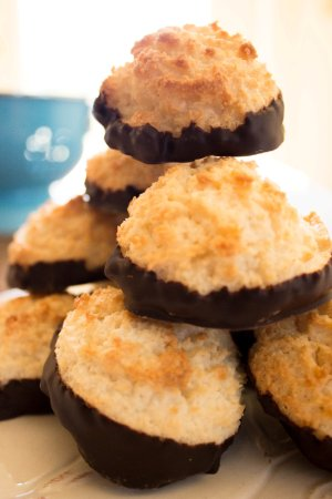 Manchester, Вермонт: We make a variety of gluten free goodies! Our chocolate dipped coconut macaroons are really popu