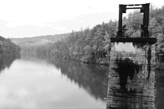 Tallulah Falls, GA: TALLULAH SENTRY BLACK AND WHITE