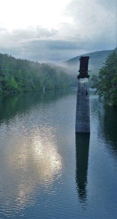 Tallulah Falls, GA: TALLULAH LONG SHADOWS