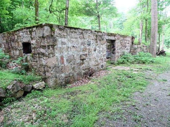 New River Gorge: walls of company store