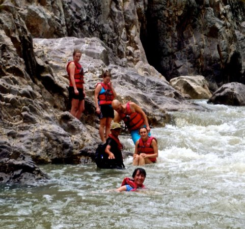Somoto, Nikaragua: Guiding a group down the Rio Coco rapids