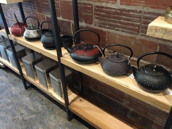Vernon, Canadá: Castiron teapots