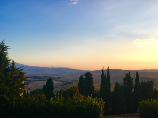 Пиенца, Италия: View from Pienza. Just one of the many amazing viewpoints.