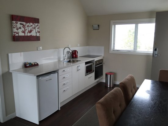 Belmont Motor Inn: New kitchens have been installed in our 2 bedroom units