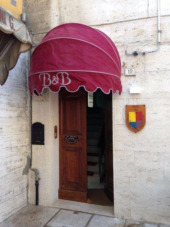 Нонатола, Италия: INGRESSO