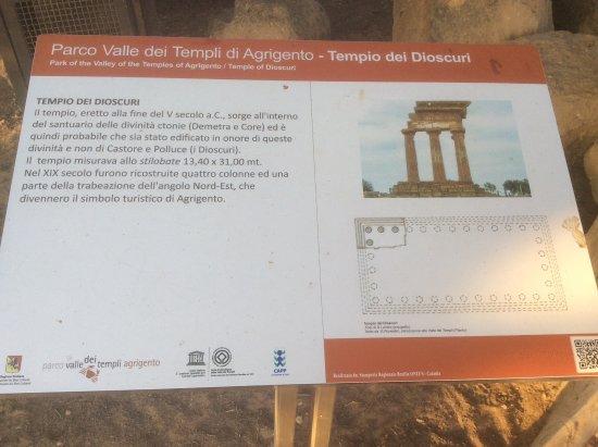 Valley of the Temples (Valle dei Templi): Templo de Castor y Polux. Cartel indicativo